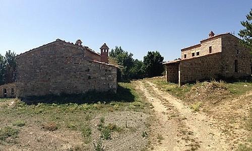 Image 2 | Farmhouse for sale with 6.8 hectares of land, Radicondoli, Siena, Tuscany 182173