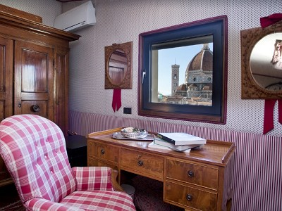 Image 19 | A Room with a View...Luxury Penthouse for Sale in Florence  182181