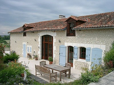 Image 1 | 10 bedroom house for sale with 0.6 hectares of land, Salles Lavalette, Charente , Poitou-Charentes 182606