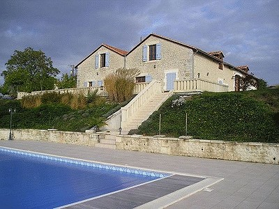 Image 3 | 10 bedroom house for sale with 0.6 hectares of land, Salles Lavalette, Charente , Poitou-Charentes 182606