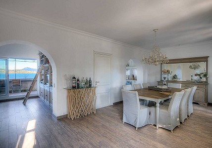 Image 2 | 3 bedroom villa for sale with 210m2 of land, Centre, Saint Tropez, St Tropez, French Riviera 182649