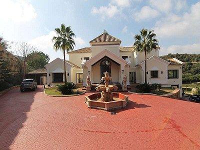 Image 2   7 bedroom villa for sale with 4,069m2 of land, Marbella Club Golf Resort, Benahavis, Malaga Costa del Sol, Andalucia 182744