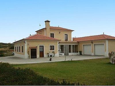 Image 1   3 bedroom villa for sale with 0.69 hectares of land, Lourinha, Lisbon District, Costa de Prata Silver Coast 183014