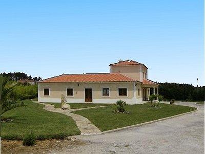 Image 2   3 bedroom villa for sale with 0.69 hectares of land, Lourinha, Lisbon District, Costa de Prata Silver Coast 183014
