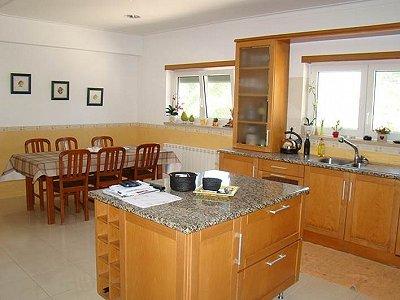 Image 6   5 bedroom villa for sale with 1,550m2 of land, Nadadouro, Leiria District, Costa de Prata Silver Coast 183021