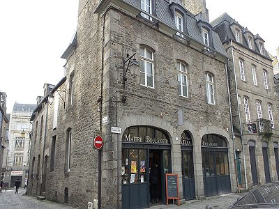 8 bedroom commercial property for sale, Dinan, Cote d'Armor 22, Brittany