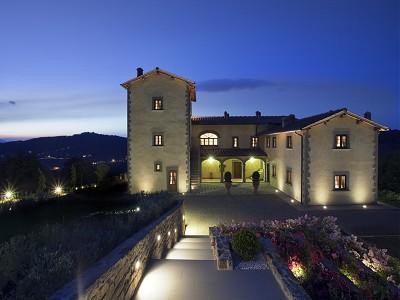 9 bedroom farmhouse for sale, Florence, Chianti Wine Region
