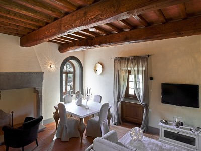 Image 10 | 9 bedroom farmhouse for sale with 10 hectares of land, Florence, Chianti Wine Region 183407