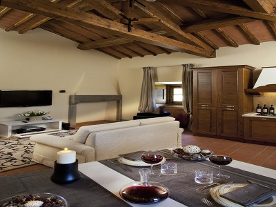 Image 21 | 9 bedroom farmhouse for sale with 10 hectares of land, Florence, Chianti Wine Region 183407