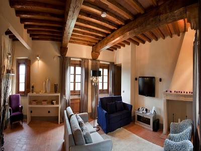 Image 29 | 9 bedroom farmhouse for sale with 10 hectares of land, Florence, Chianti Wine Region 183407