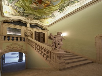 Image 13 | Superb  4 Bedroom Apartment for Sale in a Prestigious Fifteenth Century Palazzo in Verona 183632