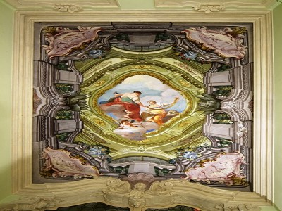 Image 14 | Superb  4 Bedroom Apartment for Sale in a Prestigious Fifteenth Century Palazzo in Verona 183632
