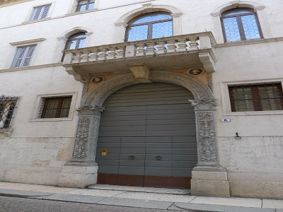 Image 18 | Superb  4 Bedroom Apartment for Sale in a Prestigious Fifteenth Century Palazzo in Verona 183632