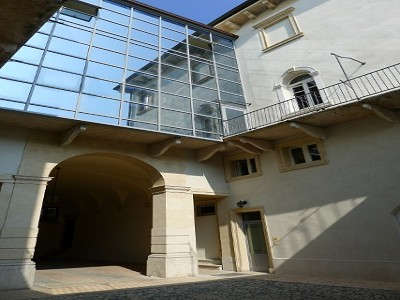 Image 19 | Superb  4 Bedroom Apartment for Sale in a Prestigious Fifteenth Century Palazzo in Verona 183632