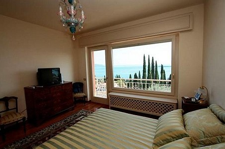 Image 5 | 5 bedroom villa for sale with 1,600m2 of land, Gardone Riviera, Brescia, Lake Garda 183676