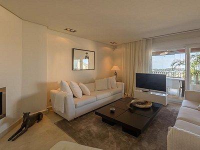 Image 5 | 2 bedroom apartment for sale, Puerto Banus, Malaga Costa del Sol, Andalucia 183742