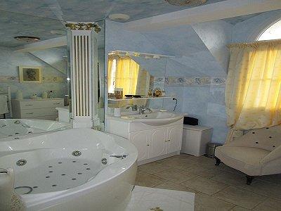 Image 11 | 3 bedroom penthouse for sale, Chinon, Indre-et-Loire , Loire Valley 184018