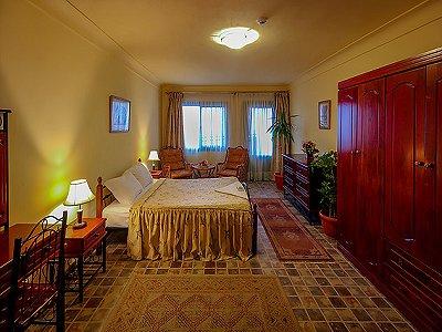 Image 17 | 100 bedroom hotel for sale, Alexandria 184048