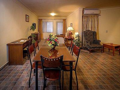 Image 18 | 100 bedroom hotel for sale, Alexandria 184048