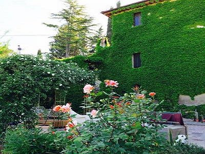 3 bedroom farmhouse for sale, Magione, Perugia, Umbria