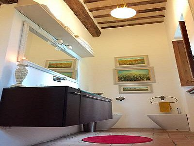 Image 13   3 bedroom farmhouse for sale with 0.22 hectares of land, Magione, Perugia, Umbria 184220