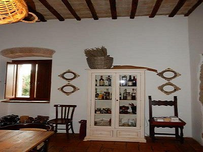 Image 9   3 bedroom farmhouse for sale with 0.22 hectares of land, Magione, Perugia, Umbria 184220