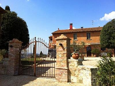 Image 1 | 11 bedroom farmhouse for sale with 0.4 hectares of land, Castiglione del Lago, Perugia, Umbria 184223