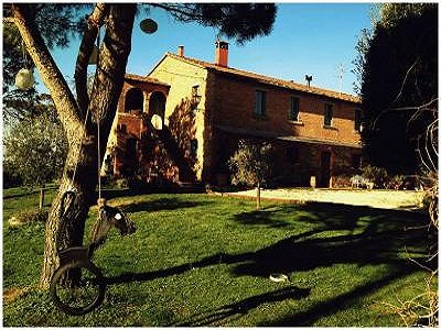 Image 2 | 11 bedroom farmhouse for sale with 0.4 hectares of land, Castiglione del Lago, Perugia, Umbria 184223