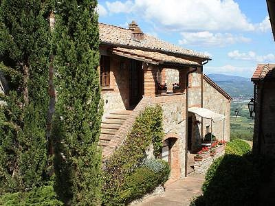 Image 1 | 2 bedroom apartment for sale with 20m2 of land, Cetona, Siena, Tuscany 184234