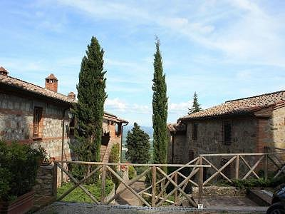 Image 2 | 2 bedroom apartment for sale with 20m2 of land, Cetona, Siena, Tuscany 184234