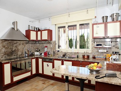Image 13   A Spacious and Well Equipped Villa with 6 Bedrooms near Neuchatel, Switzerland 184519