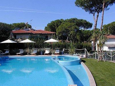 Image 22 | 44 Bedroom 3 Star Hotel in Tirrenia, Tuscany close to the Sea. 184550