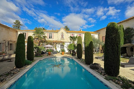 7 bedroom manor house for sale, Saint Gilles, Gard, Languedoc-Roussillon