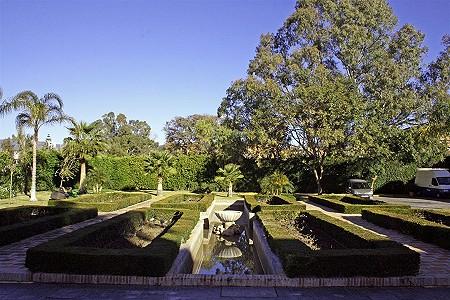 Image 10 | 9 bedroom villa for sale with 0.58 hectares of land, El Paraiso Barronal, Estepona, Malaga Costa del Sol, Andalucia 184696