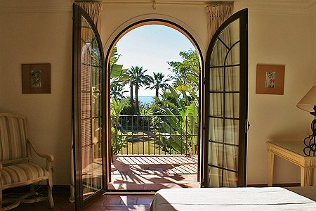 Image 13 | 9 bedroom villa for sale with 5,750m2 of land, El Paraiso Barronal, Estepona, Malaga Costa del Sol, Andalucia 184696