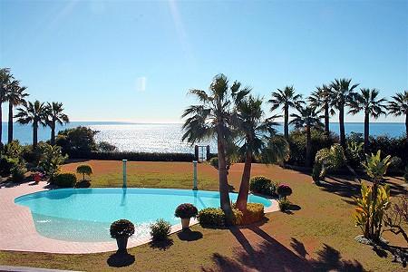 Image 2 | 9 bedroom villa for sale with 0.58 hectares of land, El Paraiso Barronal, Estepona, Malaga Costa del Sol, Andalucia 184696