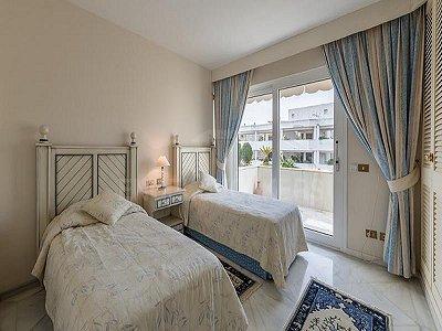 Image 5   4 bedroom penthouse for sale, Puerto Banus, Malaga Costa del Sol, Andalucia 184925