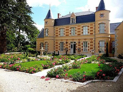 5 bedroom French chateau for sale, Poitiers, Vienne, Poitou-Charentes