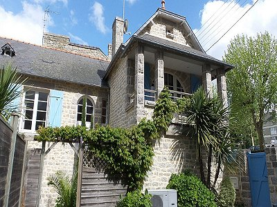 4 bedroom townhouse for sale, Dinan, Cote d'Armor 22, Brittany