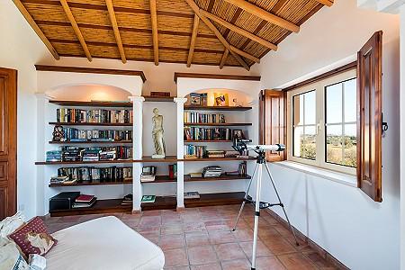 Image 6 | 4 bedroom villa for sale with 0.73 hectares of land, Atalaia, Western Algarve, Algarve 185256