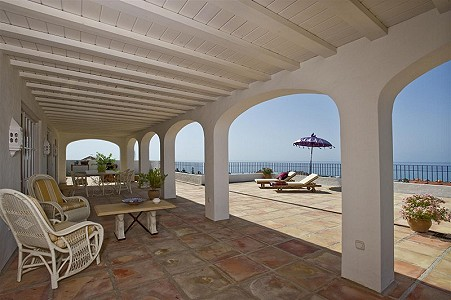 Image 3 | 9 bedroom farmhouse for sale with 0.45 hectares of land, Fuengirola, Malaga Costa del Sol, Andalucia 185596