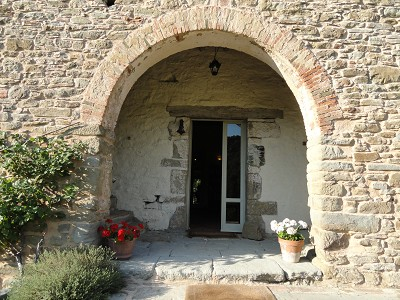 Image 4 | Idyllic Tuscan Farmhouse for Sale near Florence with Income Opportunity  185791