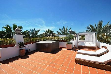 4 bedroom apartment for sale, Puerto Banus, Malaga Costa del Sol, Andalucia