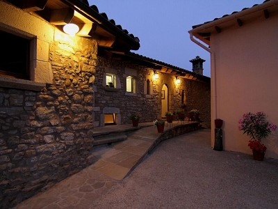 Spectacular Farmhouse for Sale in Catalonia, Currently run as  a Successful Restaurant