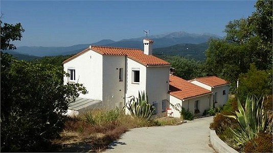 3 bedroom villa for sale, Ceret, Pyrenees-Orientales, Languedoc-Roussillon