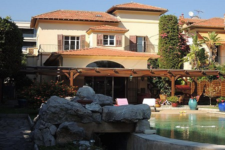 Image 2   4 bedroom villa for sale with 1,253m2 of land, Cannes, French Riviera 186069