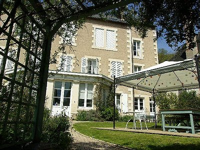 Image 1 | 10 bedroom house for sale with 1,725m2 of land, Montmorillon, Vienne , Poitou-Charentes 186271