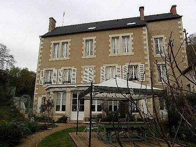 Image 2 | 10 bedroom house for sale with 1,725m2 of land, Montmorillon, Vienne , Poitou-Charentes 186271