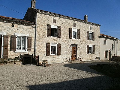 Image 1 | 12 bedroom house for sale with 0.46 hectares of land, Aigre, Charente , Poitou-Charentes 186690