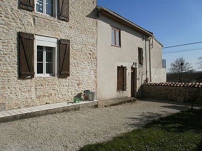 Image 3 | 12 bedroom house for sale with 0.46 hectares of land, Aigre, Charente , Poitou-Charentes 186690